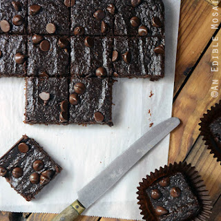 Secretly Healthy Fudgy Chocolate Sweet Potato Brownies {Paleo}.