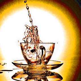 tea splashhhh,...... by Lie Oktevianus - Artistic Objects Cups, Plates & Utensils ( pwccups )