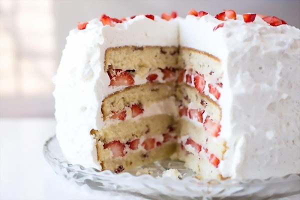 Strawberries 'n Cream Cloud Cake Recipe