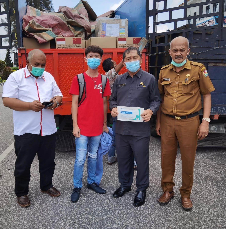 Pasca Erupsi Sinabung, Konjen RRT Salurkan Bantuan Sembako Disambut Baik Bupati Karo Terkelin Brahmana SH, MH