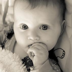Hypnosis by Idan Presser - Babies & Children Child Portraits ( look, hypnosis, b&w, girl, sweet, fingers, baby, eyes )