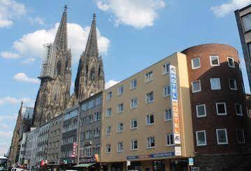 A&O Cologne Dom