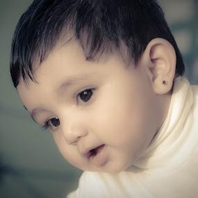 Child Potrait by Shaikh Athfaan - Babies & Children Children Candids ( babies, daughter, child potrait, cute )