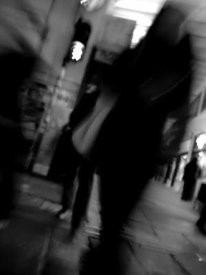 Crossing in the urban caos di marcom