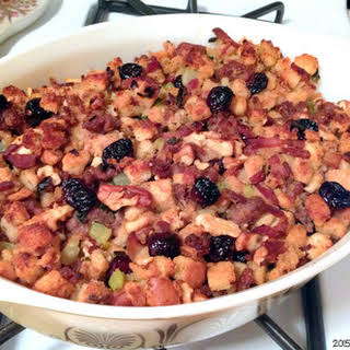 Easy Sausage, Cranberries and Walnuts Stuffing.