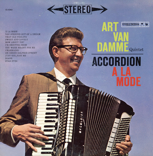 Accordion À La Mode