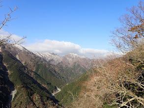 白い静ヶ岳と銚子岳