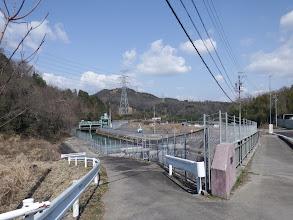 愛知用水沿いに(左へ)