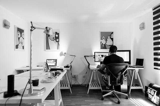 office-932926_640.jpg
