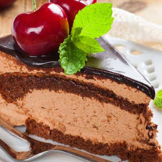 Copycat Longhorn Steakhouse Chocolate Mousse Cake.
