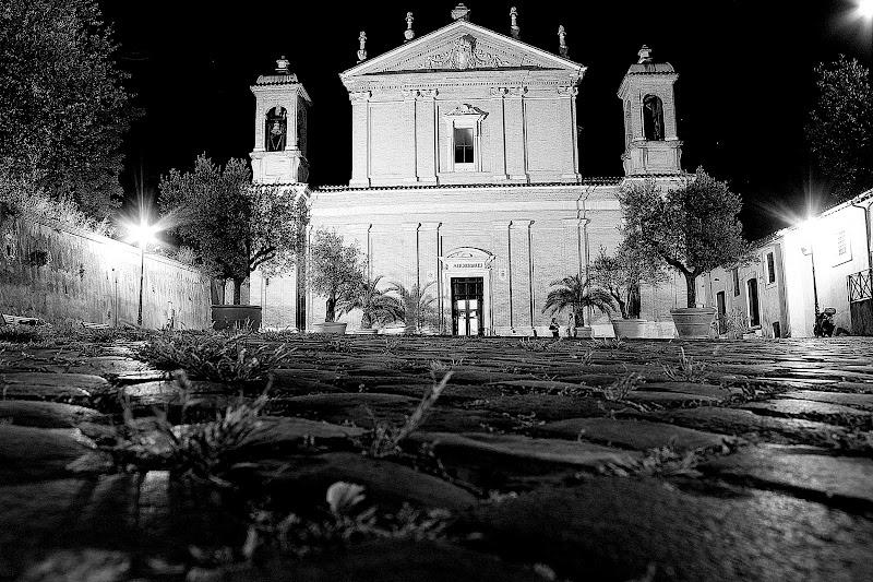 Toh una Chiesa ancora aperta di Franca Graziani