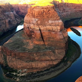 horseshoe bend by Sunil Pawar - Landscapes Mountains & Hills ( water, colorado river, nature, page, arizona, bend, rays, river, horseshoe,  )