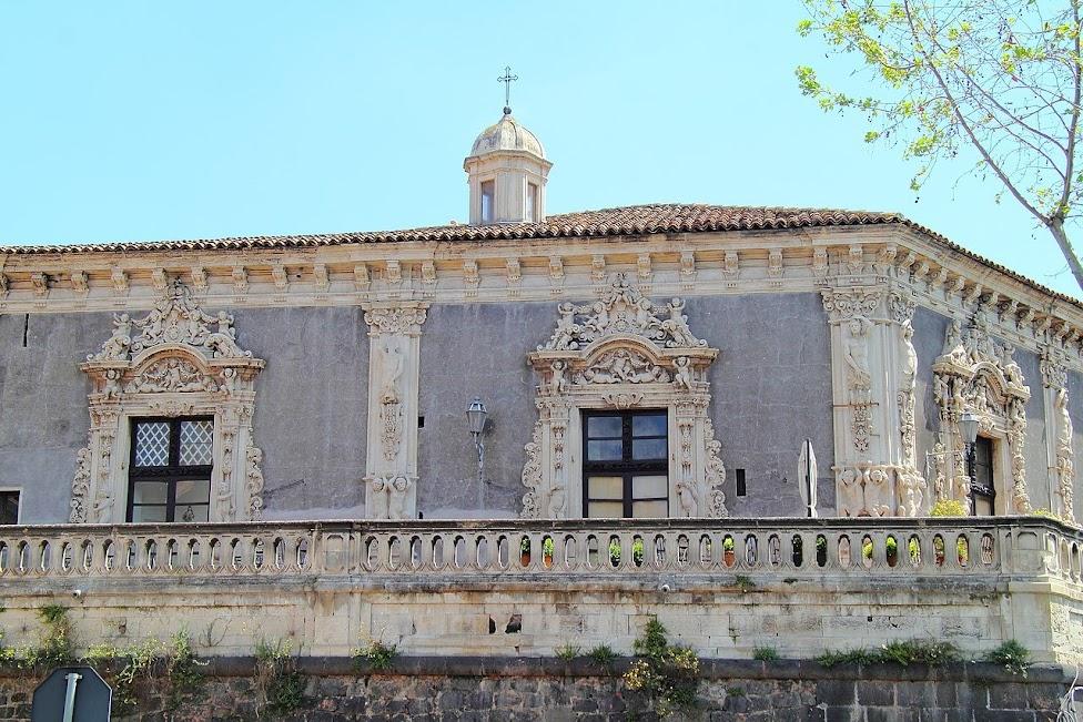 Katania, Pałac Biscari