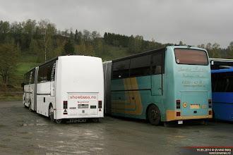 Photo: HF 21972 og BR 97956 hos Nettbuss på Jaren, 16.05.2010.