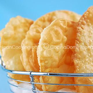 Yaniqueques - Recipe & Video (Fried Crispy Johnny Cake Tortillas).