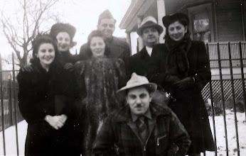 Photo: Regina Sternbach, Mildred Tulman, Ida Tous Sternbach, Leo Sternbach, Harold Sternbach, Salo Brunn, Frieda Braunhart Brunn