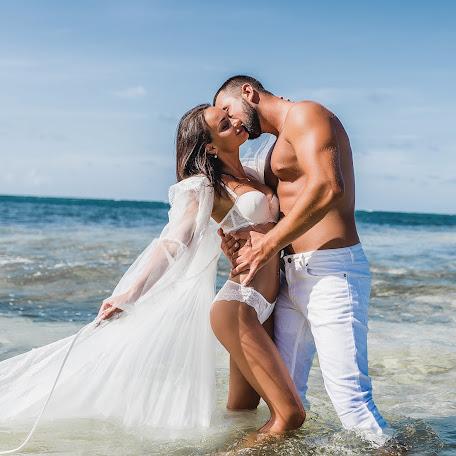 Wedding photographer Mikhail Chernov (mikhail79). Photo of 17.03.2018