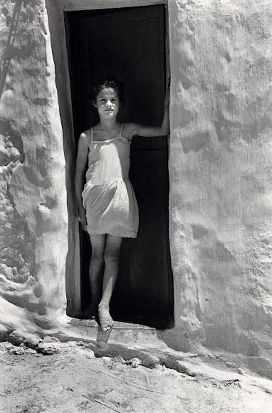 'La niña blanca' es una foto icónica. Fue tomada en La Chanca en 1957 y, seis décadas después, en 2020, supuso el reencuentro entre el fotógrafo y la modelo.