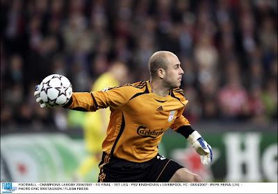 🎥 Throwback Thursday: 10 jaar geleden incasseerde Liverpool de 'strandbalgoal' én ze telde!