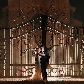 Phantom of the opera by Junita Stroh - Wedding Bride & Groom