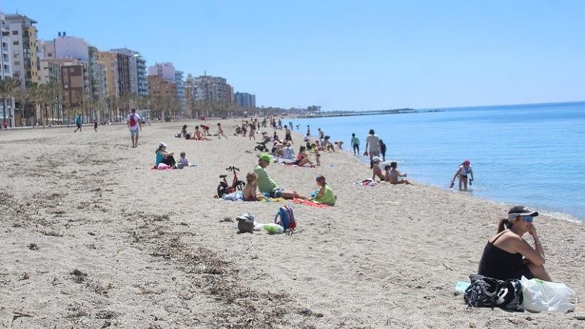 Las playas de Almería han comenzado su particular desescalada.