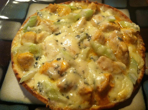 Buffalo Chicken Flatbread Pizzas Recipe