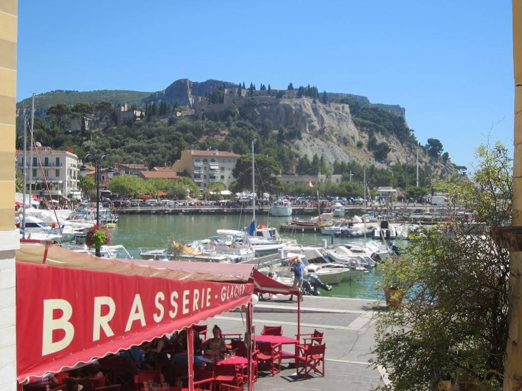 BY Cassis