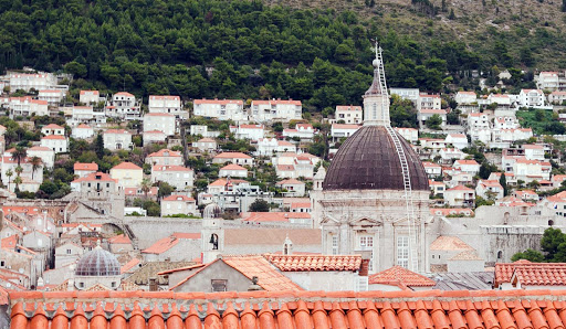 Dubrovnik-dome.jpg - A dome rises from the center of Old Dubrovnik.