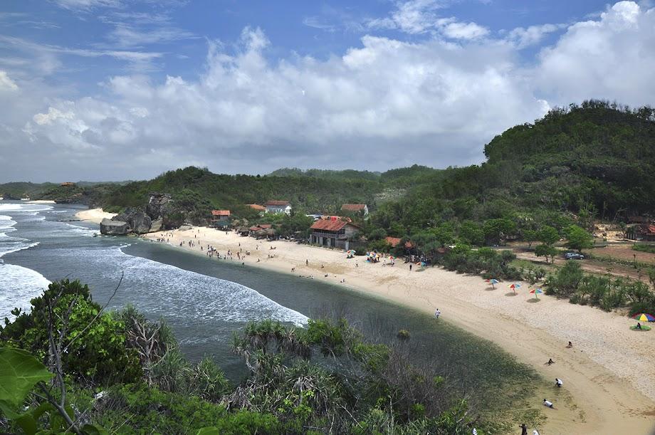 Pantai Indrayanti / Pantai Pulang Syawal - Pantai di Gunungkidul by Reza Fitriyanto