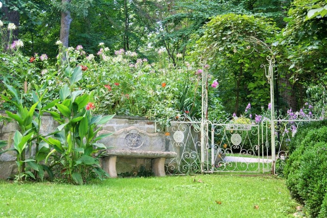 Summer Garden, Garden Bench, Green Lawn, Iron Trellis