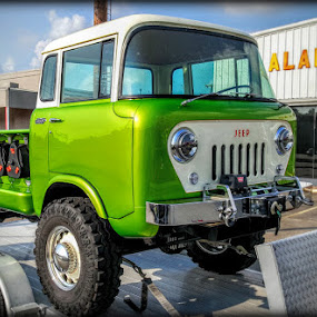 Daystars restored Cabforward Jeep by Larry Landry - Instagram & Mobile Android ( #jeeptruck, #antique4wd, #cabforwardjeep, #offroad, #restoredjeep )