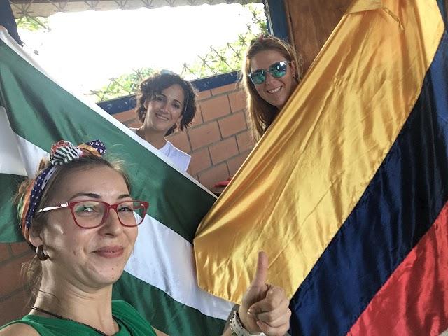 María, Celia y Patricia, enfermeras voluntarias en Ecuador.
