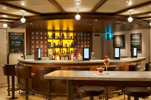 CCL_Horizon_Alchemy Bar_1841.jpg - Try a new drink whipped up by an expert mixologist at the Alchemy Bar on Carnival Horizon.
