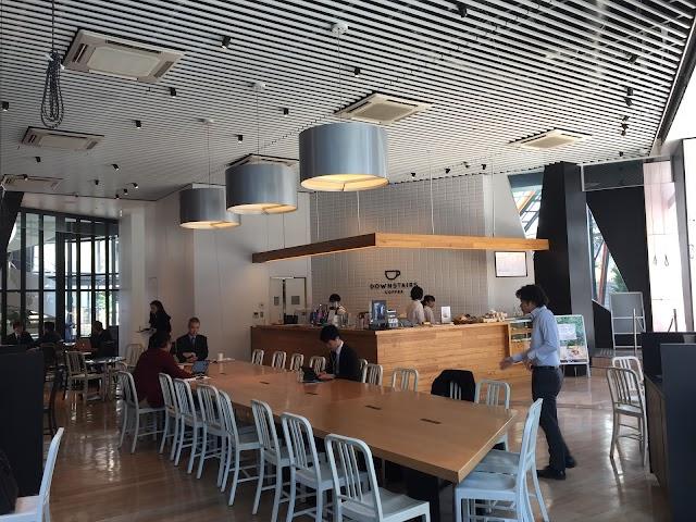 Mercedes me Tokyo / DOWNSTAIRS COFFEE|六本木