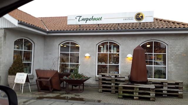 Tropehuset v/Lars Helge Hansen