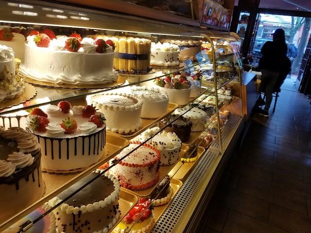Delillo Pastry Shop