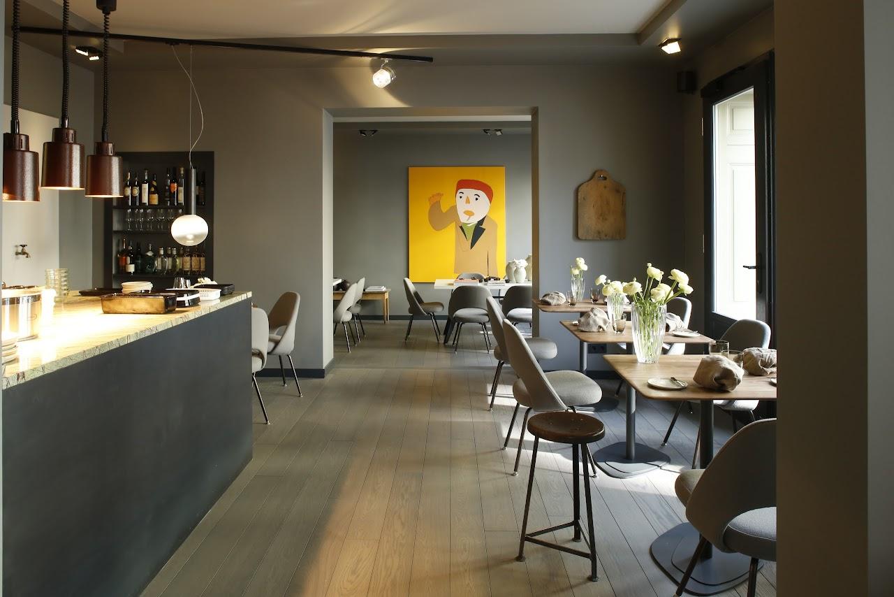 gustav best restaurants firstguide. Black Bedroom Furniture Sets. Home Design Ideas