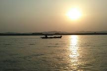 Bagan Boat Trips, Bagan, Myanmar