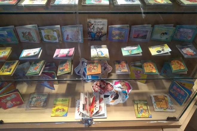Visit Miniature Books on your trip to Baku or Azerbaijan