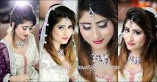 Warda Beauty Lounge karachi