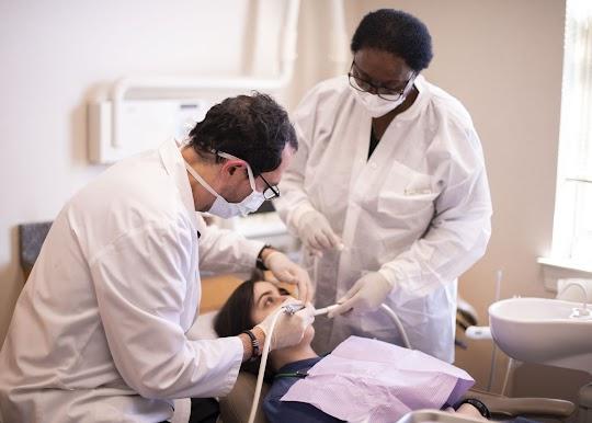 Cosmetic Dentist near Maryland