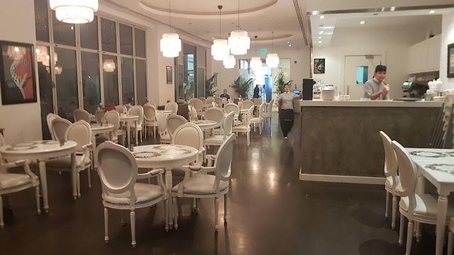 Circle Café (Al Raha Gardens)