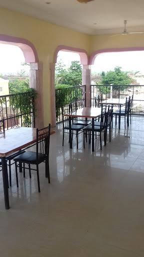 Hotel Birni House