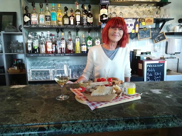"""Palace """"Bar A Manger"""" & Restaurant"""