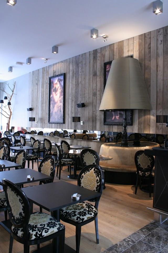 Zussen lobby-restaurant