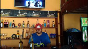 VARITA GLUG bar & Lavadero 0