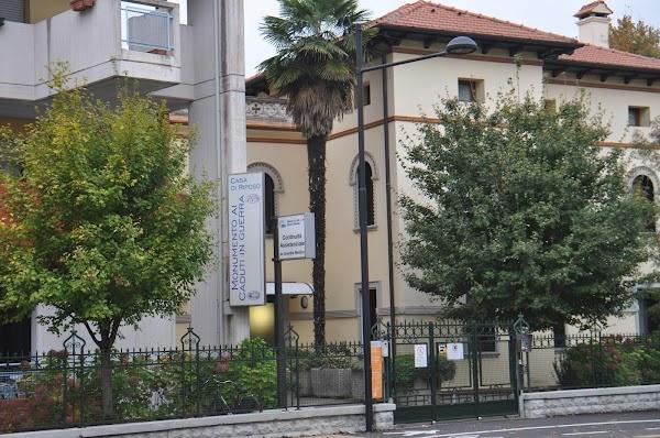Casa di Riposo Monumento Ai Caduti In Guerra