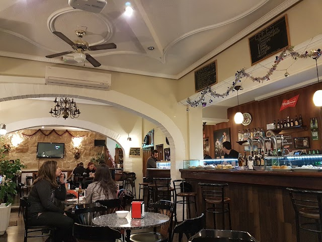 Cafe Puccini