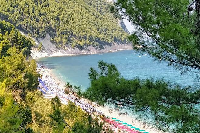 Stabilimento balneare da Roberto, Sirolo, Italy