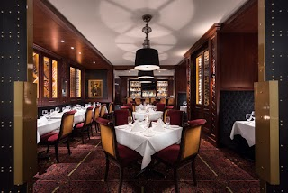 Best Restaurants in Vancouver : Hy's Encore